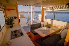 knysnahouseboats interior