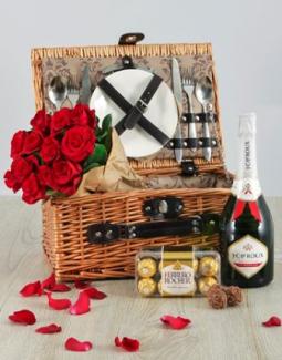 romantic-basket-for-two-netflorist